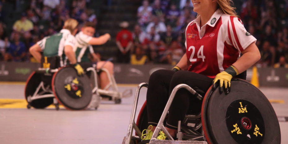Sport Rollstuhl Fahrerin