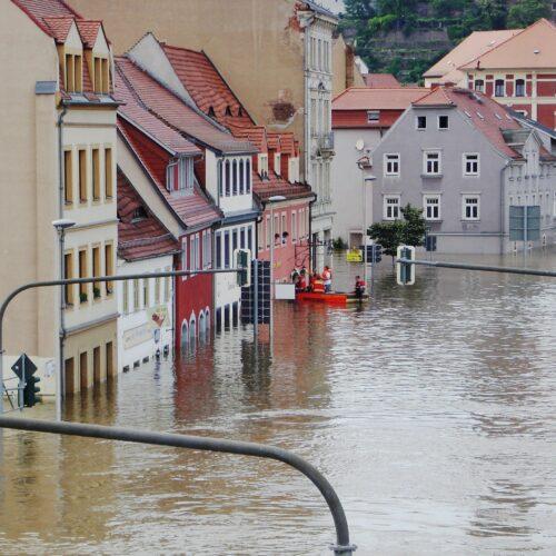 Überschwemmung in einer deutschen StadtÜberschwemmung in einer deutschen Stadt